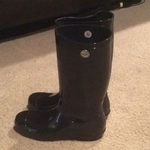 UGG Shoes - UGG Rain boots new size 11